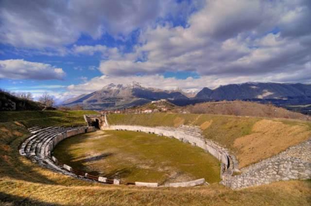 Abruzzo - Alba Fucens